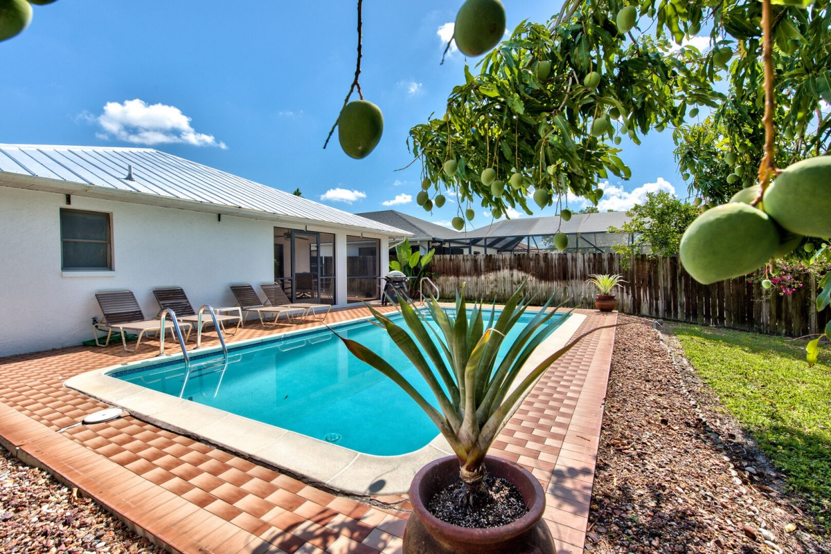 Private Pool with Southern Exposure! Pool Heat Optional Add On. Private Grill and Pool Loungers to Enjoy Sunny Naples! Privacy Fence a Bonus!