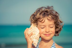 Where, When and How to Enjoy Shelling on the Beach in Naples